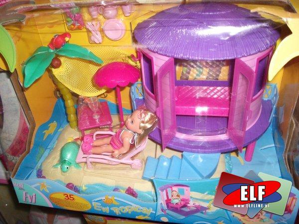 Lalka z domkiem plażowym