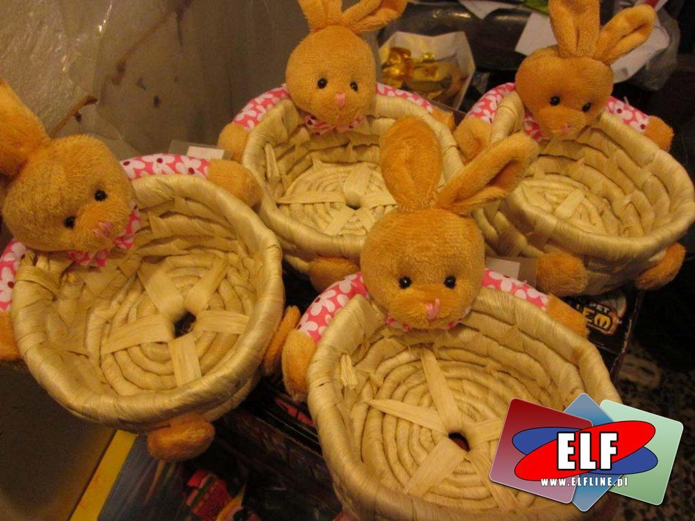 Maskotki z koszykiem, królik, króliczek, wielkanoc