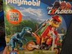 Playmobil 9429 Obozowisko z T-Rexem, 9432 Pojazd badawczy ze stegozaurem,  9434 Samochód terenowy z działającą wyrzutnią sieci, 9430 Helikopter z pterodaktylem, klocki