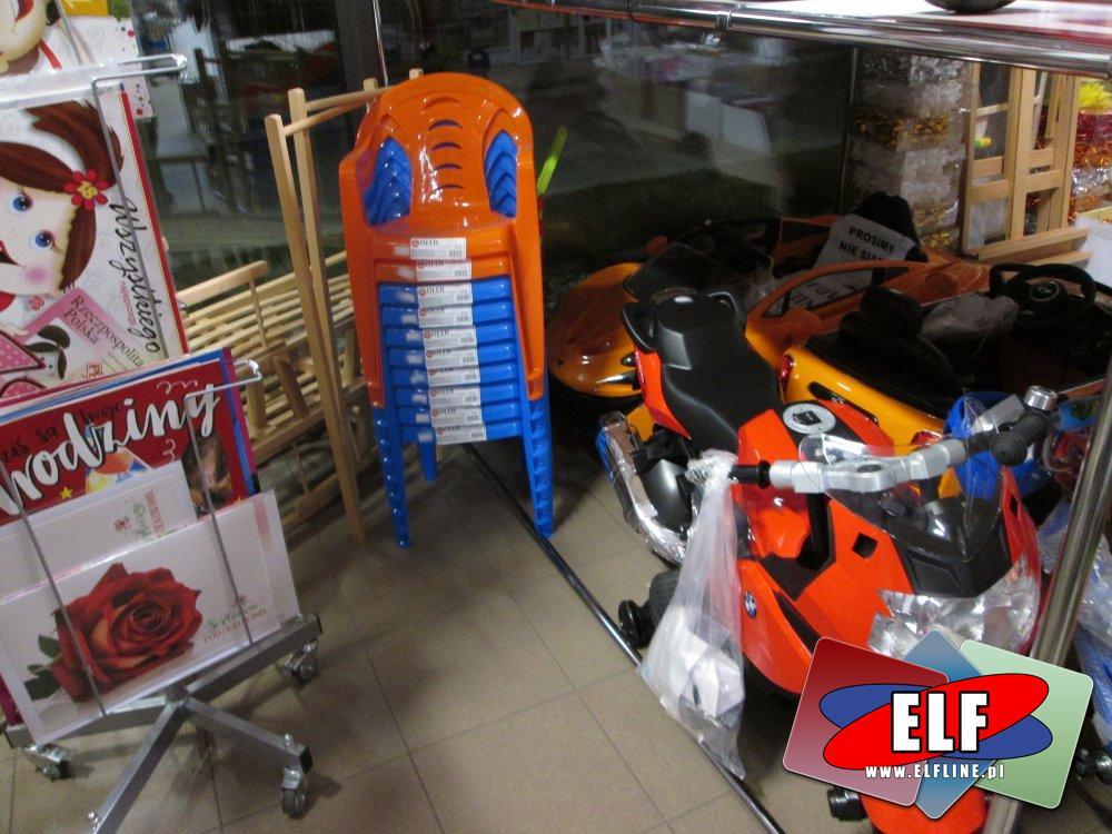 Motorki i samochody na akumulator, krzesełka plastikowe i inne