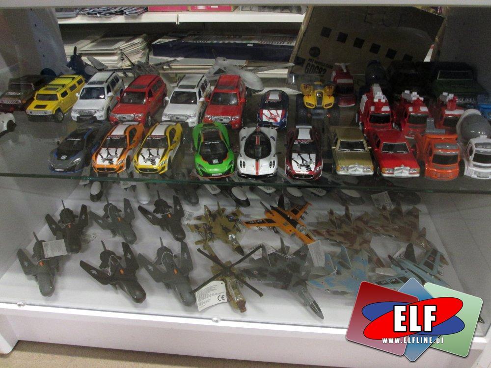 Samochodziki i samolociki zabawki, samochód zabawka, samolot zabawka