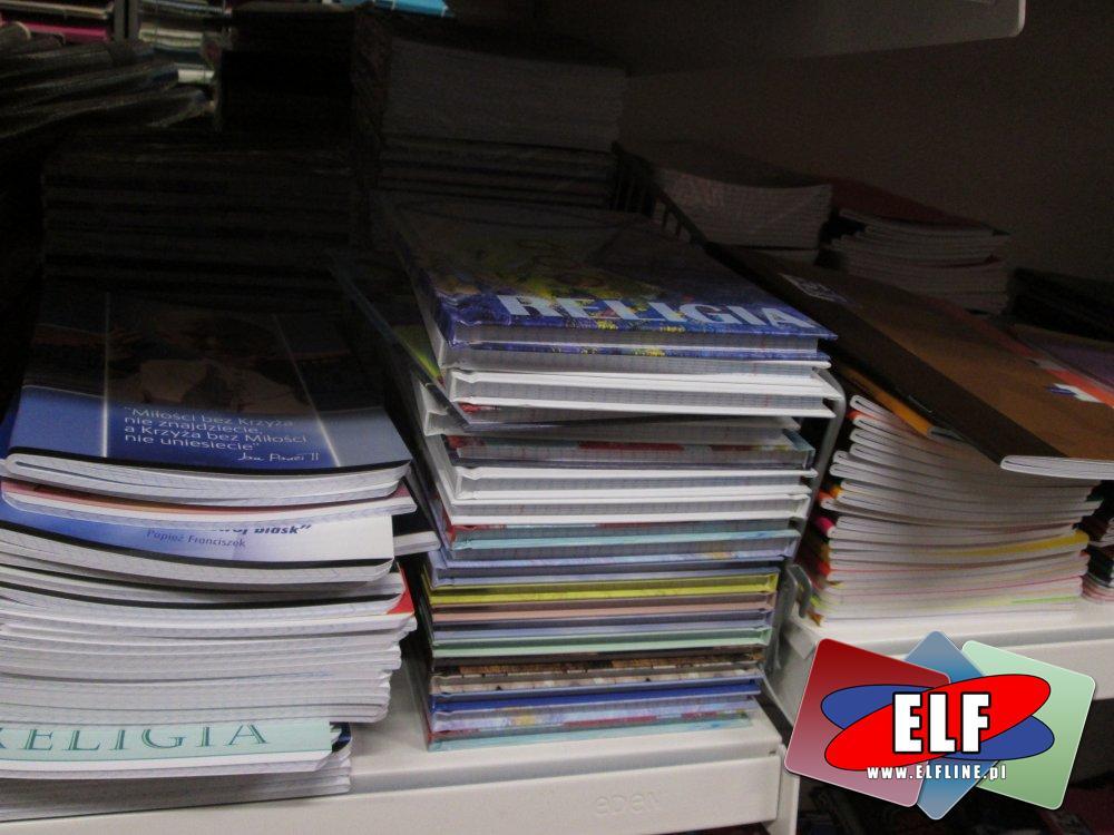 Zeszyty, Grube i cienkie, W linię i w kratkę, różne zeszyty, zeszyt, szkolne i biurowe